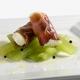 Cannolo di prosciutto di sauris, rafano e insalata di cetrioli agrodolci