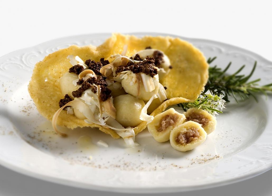 Gnocchi di patate ripieni di prosciutto